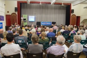 A full house as community hear talks from a range of scientists, tourism professionals and environmental experts at the CAFNEC Cairns Community forum on dredging Photo: (c) Xanthe Rivett