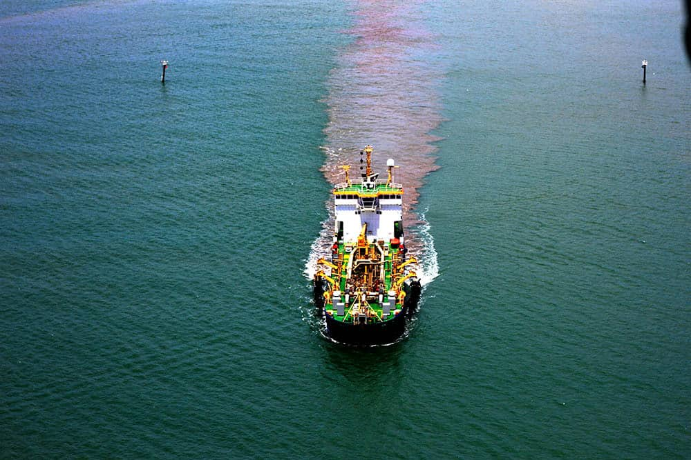 Cairns dredging revelations lead to renewed calls to dump new dredging proposal.