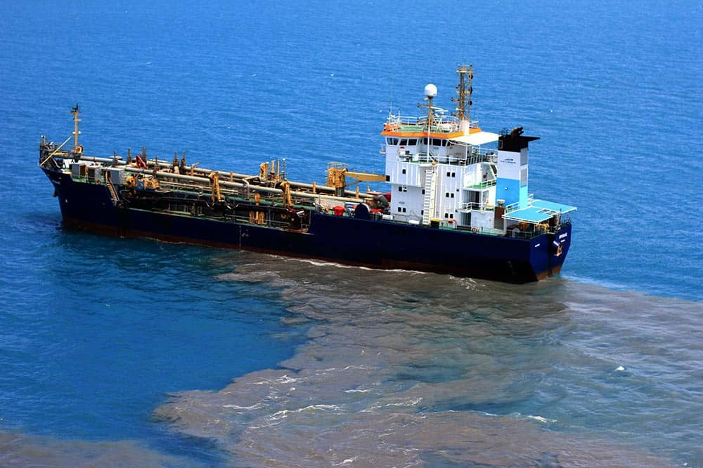 Reef report card confirms need to restrict dredging